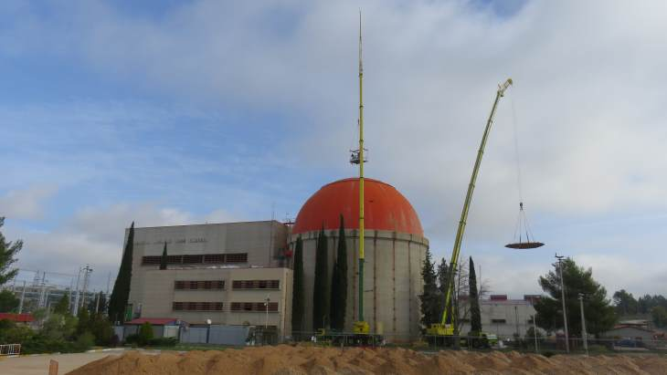 Dismantling of Zorita containment dome begins