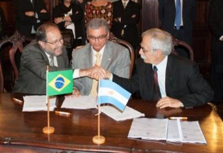 Argentina-Brazil contract (Invap) 460
