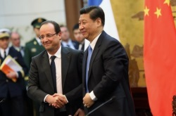 Hollande, Xi, April 2013 (Elysee - P Segrette) 250x165