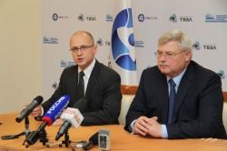Kiriyenko and Zhvachkin, September 2012 (Rosatom) 250x166.jpg
