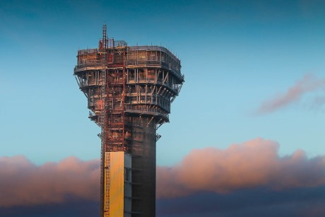 Windscale_pile_chimney_April_2014_(Sellafield)_460